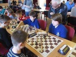 "V sobotu 25.2.2017 začal v Třemešné 5.kolový mezinárodní šachový turnaj ""Staň se šachovým mistrem"""